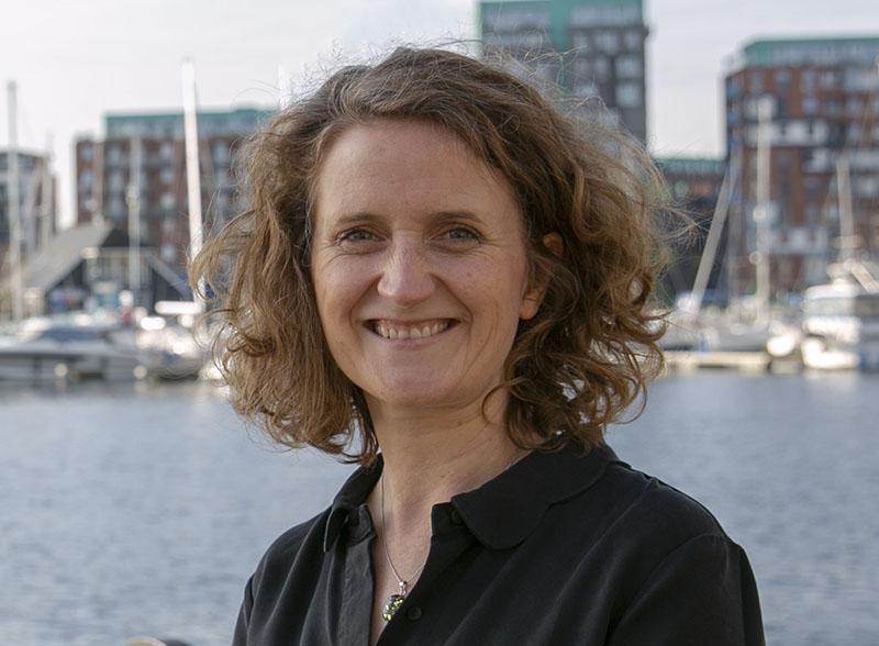 Janette Wand